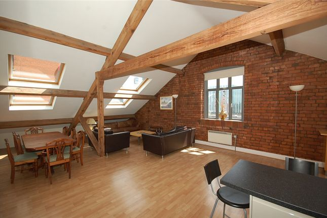 3 bed flat for sale in Cambridge Street, Manchester