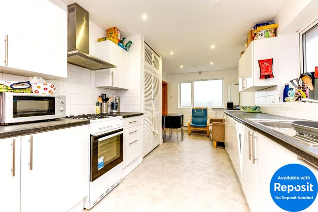 Picture No. 13 of Wolverstone Drive, Brighton, East Sussex BN1