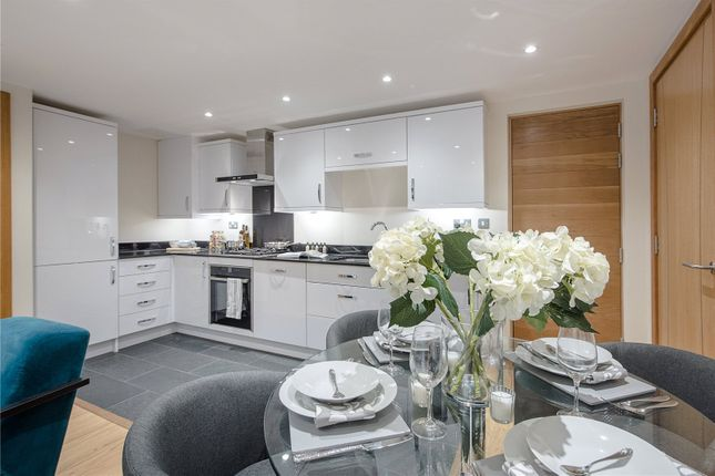 Thumbnail Flat for sale in Greenside View, Oxford Road, Gerrards Cross