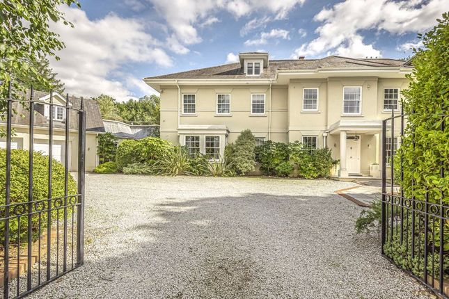 Thumbnail Detached house to rent in 17 Broomfield Ride, Oxshott, Cobham