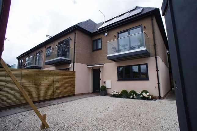 Thumbnail End terrace house for sale in Lincoln Road, Enfield, Middlesex