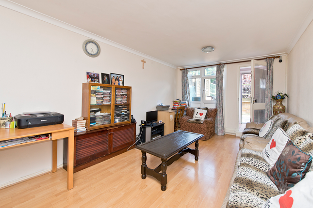 4 bed duplex for sale in Stockwell Park Road, London