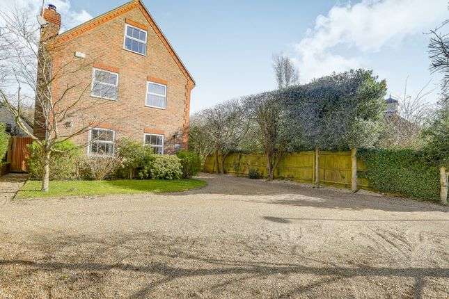 5 bed detached house for sale in Pondtail Road, Horsham