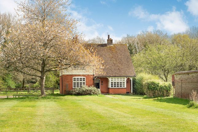 3 bed detached house for sale in Champneys, Wigginton, Tring, Hertfordshire HP23