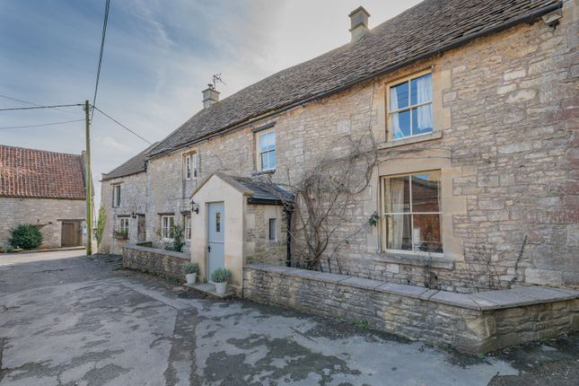 Thumbnail Farmhouse to rent in High Street, Colerne, Chippenham