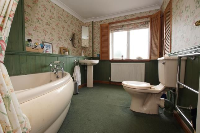Bathroom of Standard Hill, Ninfield, Battle, East Sussex TN33