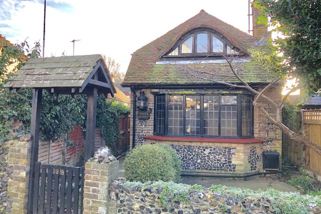 Thumbnail Detached house to rent in Holly Lane, Cliftonville, Margate