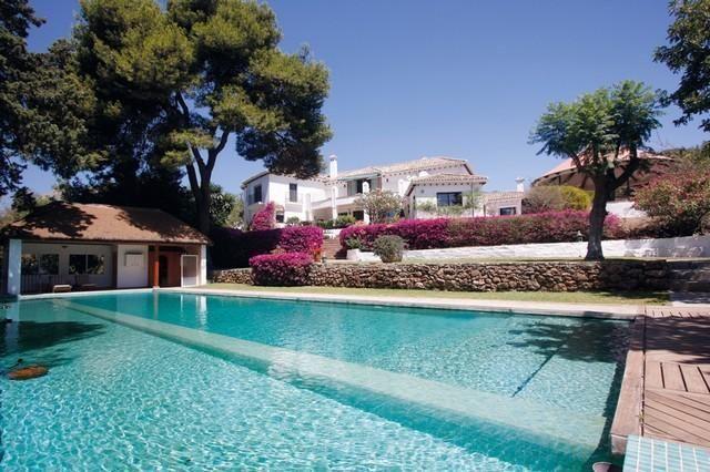 Thumbnail Villa for sale in Arroyo De La Miel, Málaga, Spain