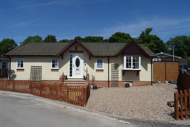 Mobile/park home for sale in Ashby Road, Sinope, Leicestershire