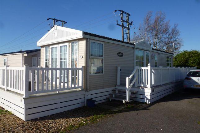 Thumbnail Property for sale in Lakeside Residential Park, Vinnetro, Runcton, Chichester