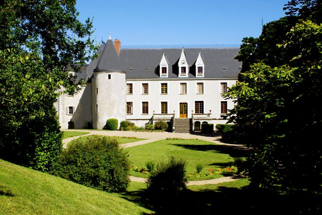 Thumbnail Property for sale in 37000, Tours, France