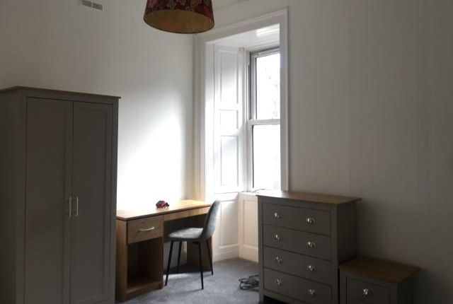 Thumbnail Flat to rent in Buccleuch Street, Edinburgh