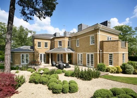 Thumbnail Property to rent in Titlarks Hill, Ascot, Berkshire