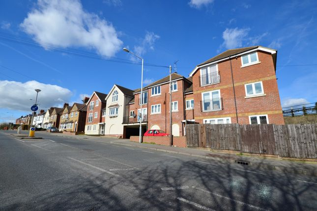 Thumbnail Flat to rent in Bina Court, Rickmansworth Road, Northwood, Middlesex