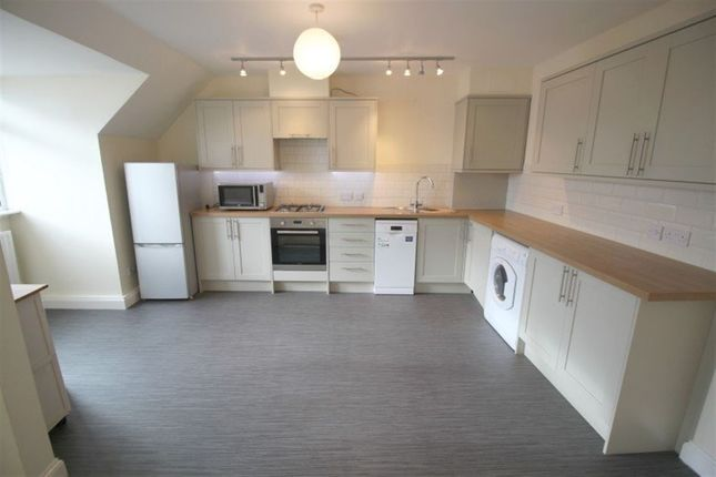 Thumbnail Flat to rent in Bank Street, Sevenoaks