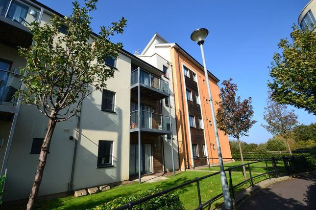 Thumbnail Flat to rent in Kingfisher Road, Portishead, Bristol
