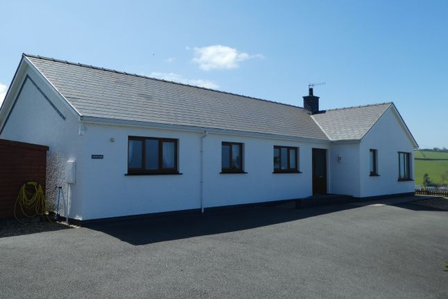 Thumbnail Detached bungalow for sale in Ffordd Y Goetre, Aberaeron