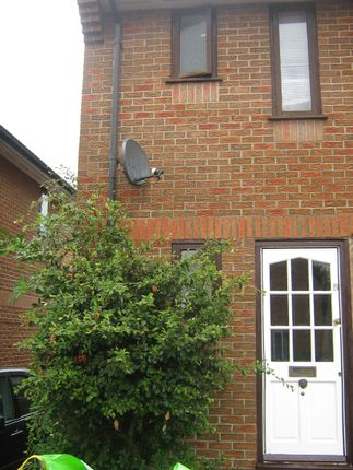 Thumbnail Terraced house to rent in Watermead, Bar Hill, Cambridge