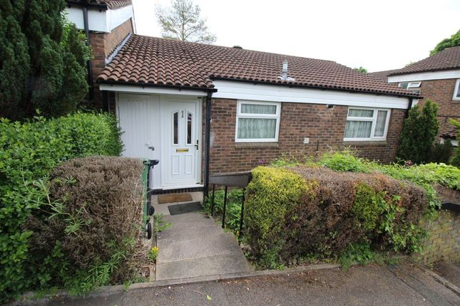 Thumbnail Bungalow to rent in Haddon Road, Luton