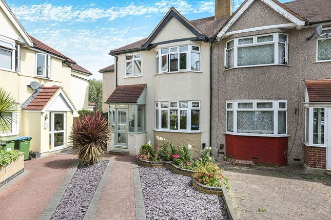 Thumbnail Semi-detached house to rent in Sandycroft, London