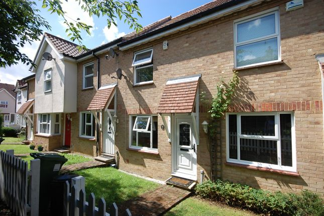 2 bed property to rent in Russetts, Langdon Hills SS16