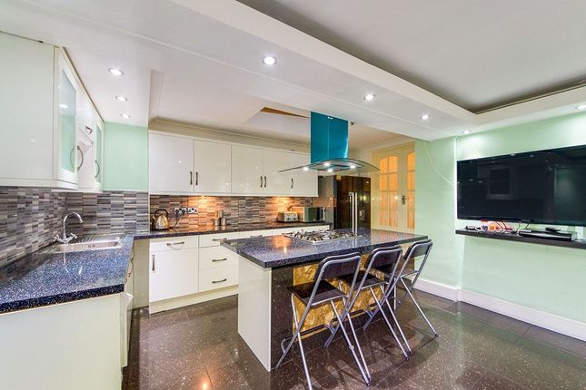 Thumbnail Terraced house to rent in Vicarage Lane, London