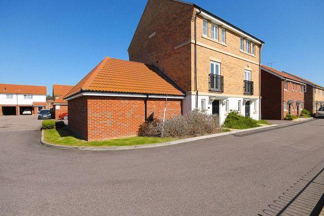 Thumbnail Town house for sale in Markhams Close, Basildon