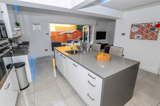 Thumbnail Property for sale in Kirton Close, Coventry