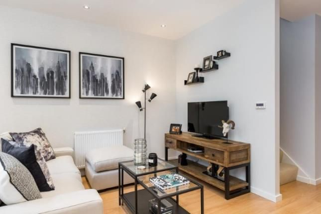 Lounge of The Quadrangle, High Street, Hornsey N8