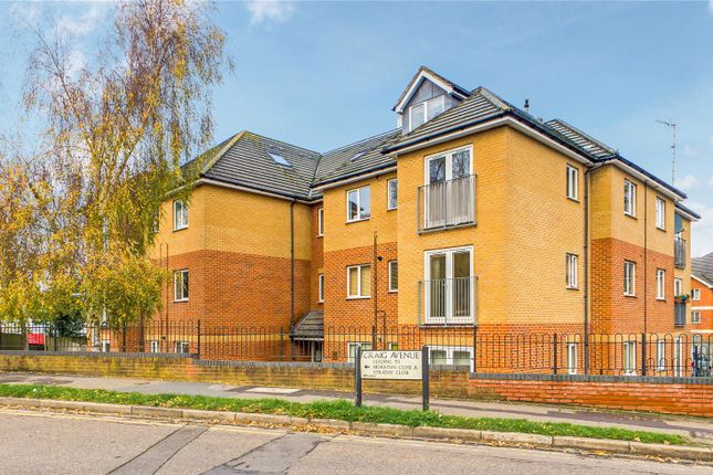 2 bed flat for sale in Craig House, Craig Avenue, Reading, Berkshire RG30
