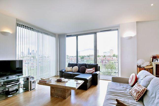 2 bed flat to rent in Monza Building, Monza Street, London