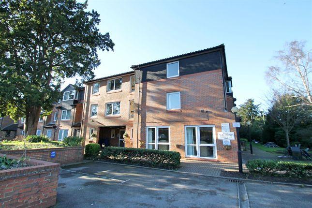 Thumbnail Flat to rent in Elstree Road, Bushey Heath, Bushey