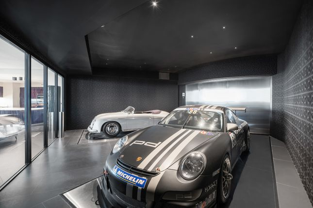 Garage With Porsche Cars - Apt 1601 - Porsche Design Tower Miami