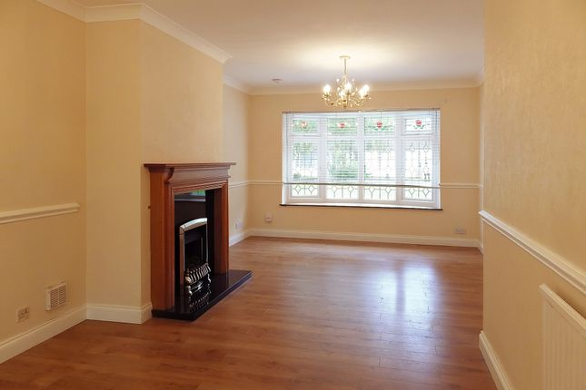 Thumbnail Terraced house to rent in The Crofts, Witney, Oxfordshire