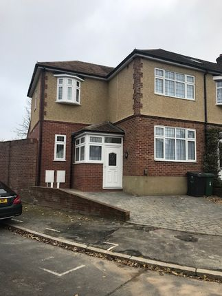 4 bed end terrace house to rent in Betoyne Avenue, Chingford E4