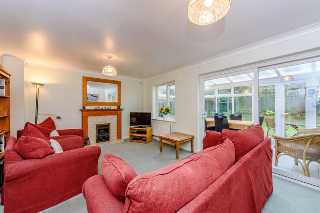 Living Room of Mallow Crescent, Guildford GU4