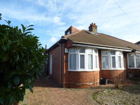 Thumbnail Bungalow for sale in Gladeside, Shirley, Croydon, Surrey