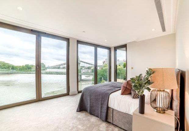 Thumbnail Flat to rent in Queen's Wharf, 2 Crisp Road
