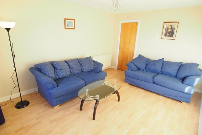 Lounge of Fonthill Road, Top Floor AB11