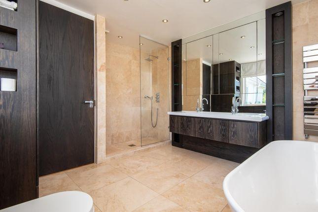 Family Bathroom of Sea View Road, Falmouth TR11