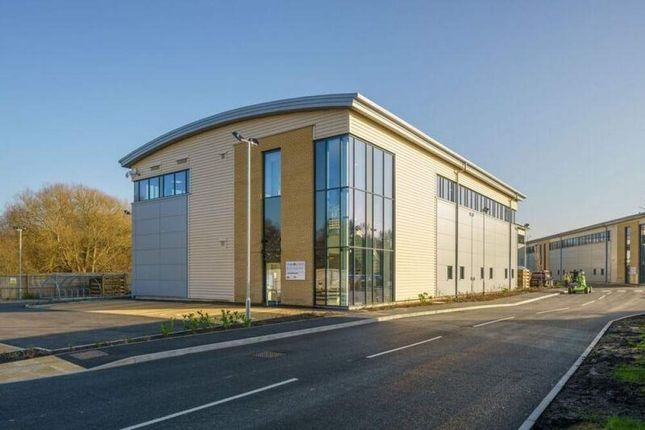 Thumbnail Warehouse to let in 4.9 Frimley 4 Hi Tech, Camberley, Surrey