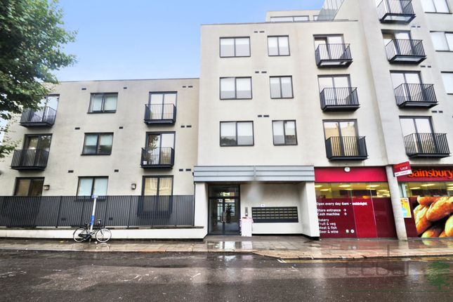 Thumbnail Flat to rent in Cavendish Road, London