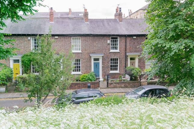 Thumbnail Terraced house for sale in Dewsbury Terrace, York