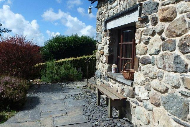 Thumbnail Flat to rent in Bron Y Gader, Abergynolwyn, Tywyn