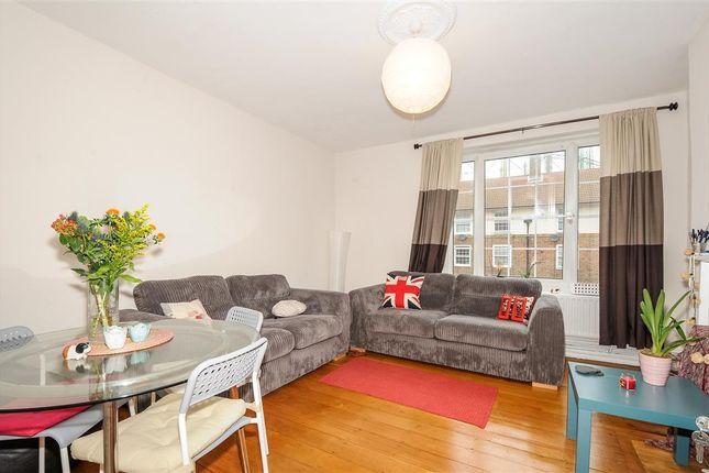 Thumbnail Flat to rent in Kennington Oval, London