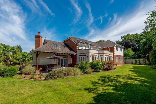 Thumbnail Detached house for sale in Sedlescombe Park, Rugby, Warwickshire