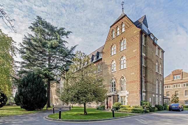 Thumbnail Flat to rent in Borough Road, Osterley, Isleworth