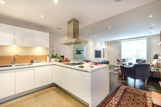 Thumbnail Flat to rent in Grosvenor Waterside, Westminster