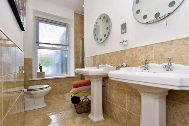 Master En-Suite of Saltash Road, Keyham, Plymouth PL2