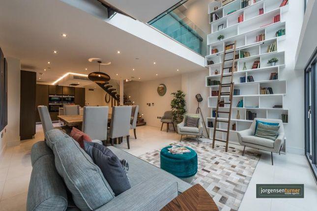 Thumbnail Town house to rent in Goldhawk Road, Shepherds Bush, London
